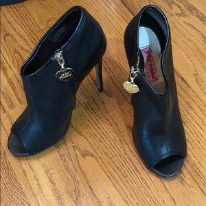 Betsye Johnson lather heels